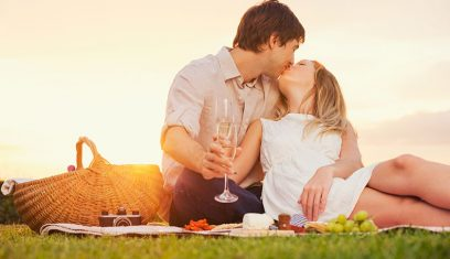 how to kiss passionately and romantically
