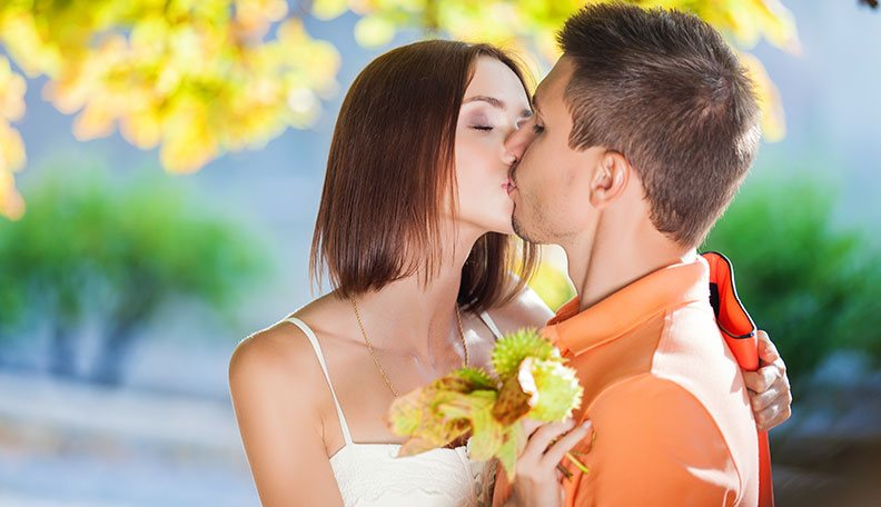 To to you kiss how your attract boyfriend How to