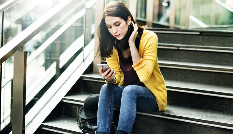 Why Did He Stop Texting Me? 13 Rules You Should Follow