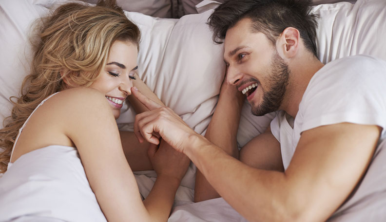 Signs Your Friends with Benefits is Falling for You & Is in Love