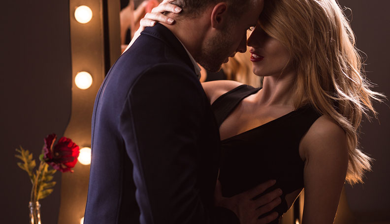 How to Seduce Someone: 15 Seduction Tips to Make Them Yearn for You